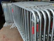 lot de barrières Nadar, de sécurité, en location chez Locamat