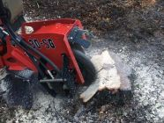 location de déssoucheuses professionnelles chez Locamat pour retirer les souches d'arbres et racinnes